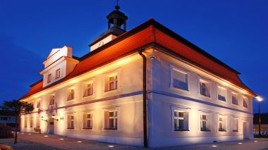 Illumination of the baroque town hall in Bnin